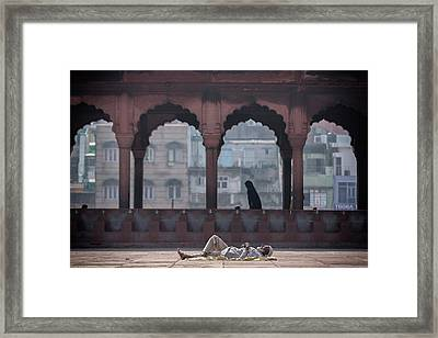 Descanso Framed Print