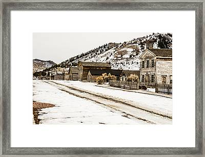 Deserted Street Framed Print by Sue Smith