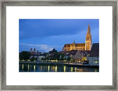 Deutschland, Regensburg, Stadtansicht Framed Print by Tips Images