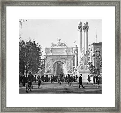 Dewey's Arch Monument Madison Square New York 1900 Framed Print by A Gurmankin