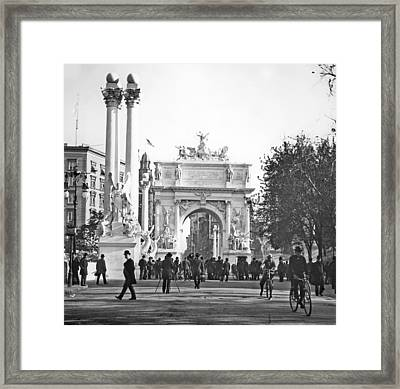 Dewey's Arch New York City 1900 Vintage Photograph Framed Print by A Gurmankin