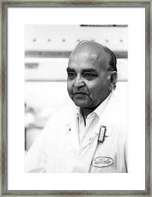 Dharam Ablashi Framed Print by National Cancer Institute