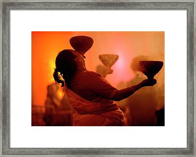 Dhunuchi Folk Dance Performed At Durga Framed Print by Jaina Mishra