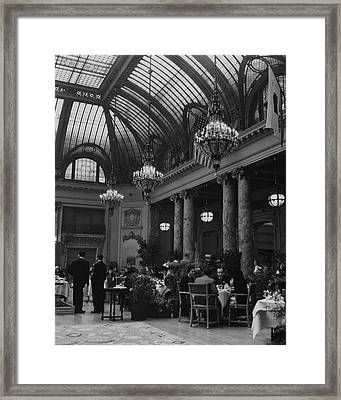 Diners Inside The Old Palace Hotel In California Framed Print by Andre de Dienes