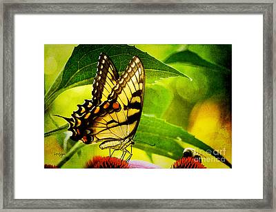 Dining With A Friend Framed Print by Lois Bryan