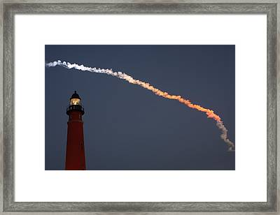 Framed Print featuring the photograph Discovery Sunset Plume by Paul Rebmann