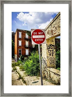 Do Not Enter Sign At Glencoe Auburn Place Picture Framed Print by Paul Velgos