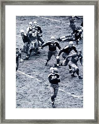 Don Hutson In Action Framed Print by Gianfranco Weiss
