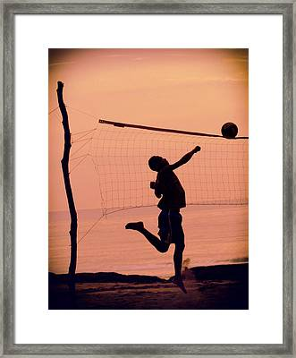Don't Let The Sun Go Down  Framed Print by A Rey