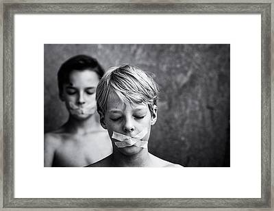 Don't Look, Don't Speak Framed Print by Mirjam Delrue