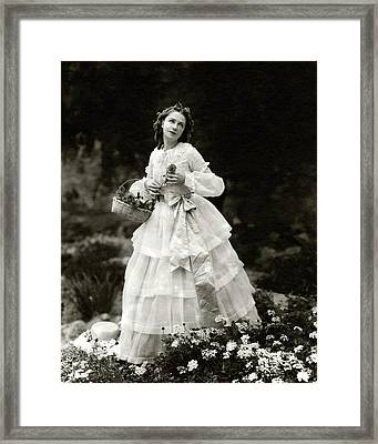 Dorothy Gish In The Streets Of New York Framed Print