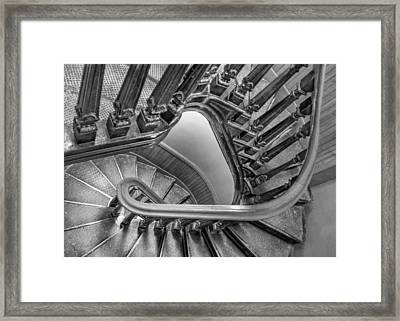 Down The Side - Bw Framed Print by Nikolyn McDonald