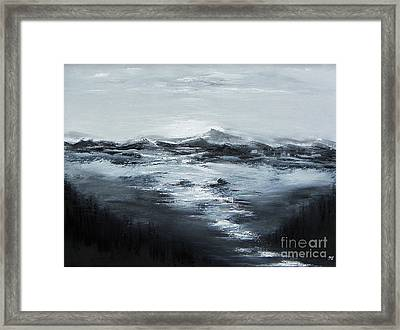 Dramatic Pause Framed Print by Geralyn Willingham