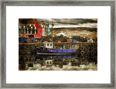 Tobermory Isle Of Mull Framed Print by Lois Bryan
