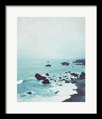 Robin Framed Prints
