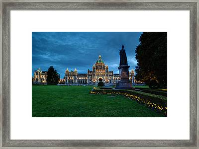 Dusk In Victoria Framed Print by Mike Reid