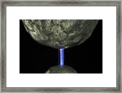 Dust Electrostatics Framed Print by Crown Copyright/health & Safety Laboratory Science Photo Library