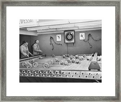 Dwarf Parrot Gambling Races Framed Print by Underwood Archives