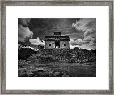 Dzibilchaltun - Temple Of The Seven Dolls 001 Bw Framed Print by Lance Vaughn