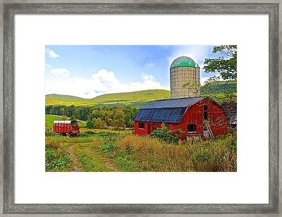 Eastern Pa Farm Framed Print by Frozen in Time Fine Art Photography