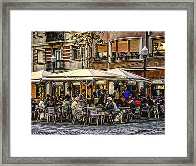Framed Print featuring the photograph Eating Out In Barcelona by Brian Tarr