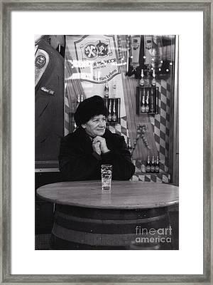 Ein Bier Fuers Leben Framed Print by Carol Weitz