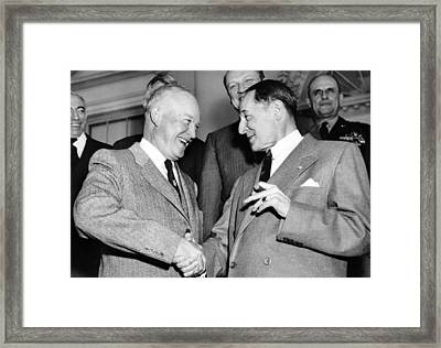 Eisenhower And Macarthur Framed Print by Underwood Archives