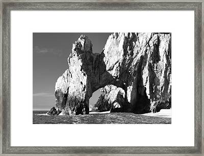 El Arco In Black And White Framed Print