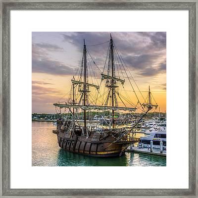El Galeon Framed Print