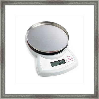 Electronic Weighing Scales Framed Print by Science Photo Library