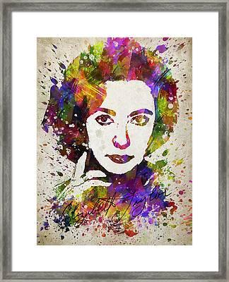 Elizabeth Taylor In Color Framed Print by Aged Pixel
