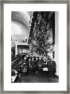 Ellis Island: Christmas, 1920 Framed Print by Granger