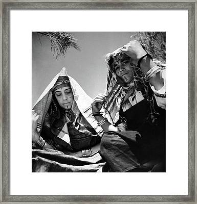 Elsa Schiaparelli With A Dressmaker Framed Print by Horst P. Horst