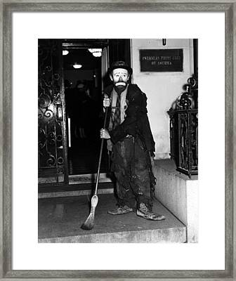 Emmett Kelly Framed Print by Ann Meuer