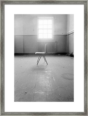 Empty Chair Framed Print by Larry Dunstan/science Photo Library