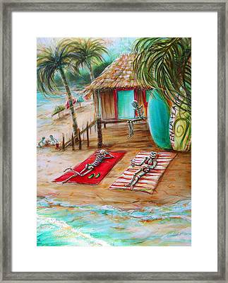 En La Playa Framed Print