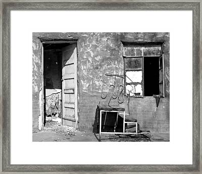 Framed Print featuring the photograph Encino Motel by Christopher McKenzie