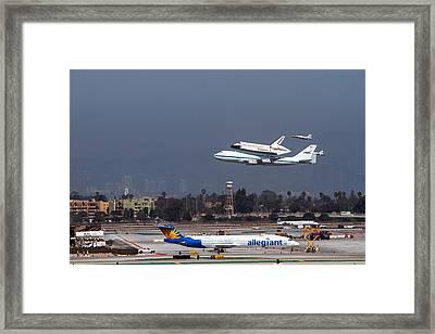 Endeavors Final 300 Ft Flyover Runway 25 Framed Print by Denise Dube