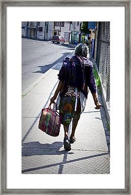 Energia Adolescente Framed Print by Rolando Cruz