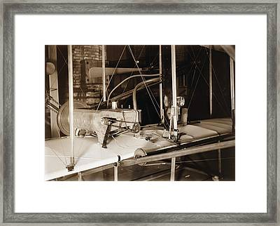 Engine Of 1903 Wright Flyer Framed Print by Science Photo Library