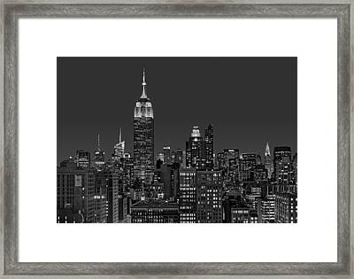 Esb Surrounded By The Flatiron District Bw Framed Print