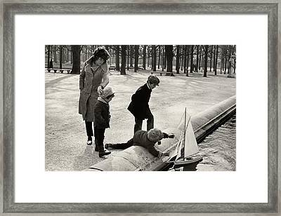 Eunice Shriver With Her Three Children Framed Print