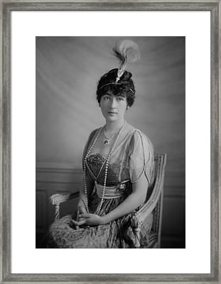 Evalyn Walsh Mclean Wearing The Hope Framed Print