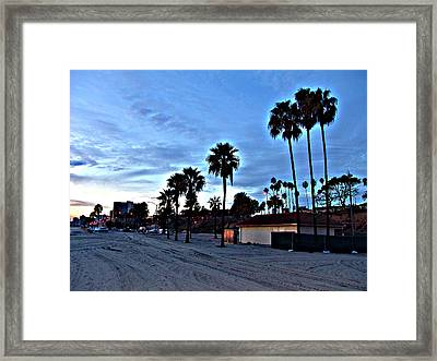 Evening At The Beach Framed Print by Raymond Mendez