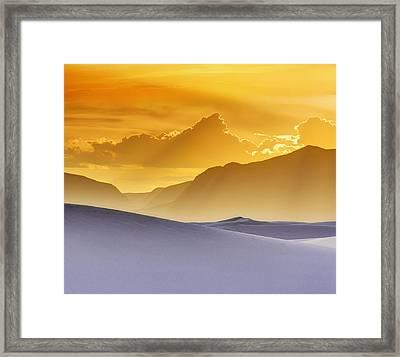 Evening Stillness - White Sands Sunset - Duvet Framed Print