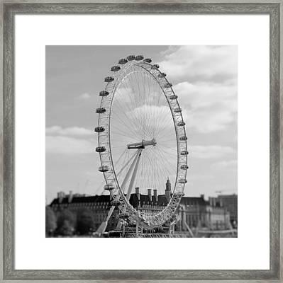 Eye Of London Framed Print by Gary Smith