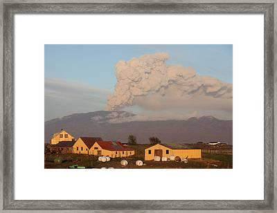 Eyjafjallajokull5 Framed Print by Siguringi Holmgrimsson