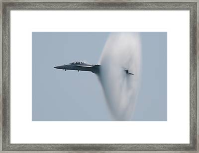 Framed Print featuring the photograph Fa 18 Super Hornet Vapor Circle 2 by Donna Corless