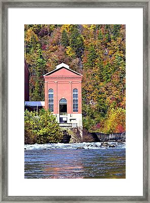 Fall At Tugalo Framed Print by Susan Leggett