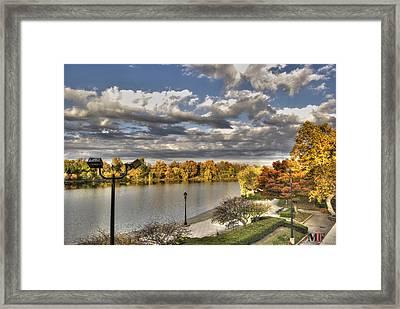 Fall Scenery Of Hoyt Lake Oct2014 Framed Print